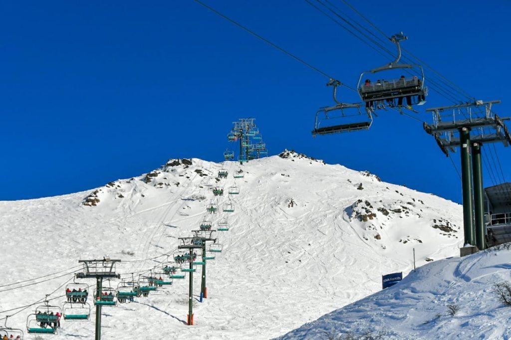 El cerro Catedral habilitó en junio la temporada de esquí 2019 con las primeras pistas en condiciones para disfrutar de los deportes invernales en Bariloche.